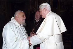 fratel Enzo in udienza da papa Benedetto XVI