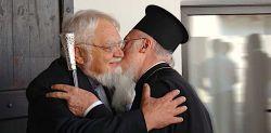 Bartolomeos I Arcivescovo di Costantinopoli e Patriarca ecumenico e fr. Enzo Bianchi