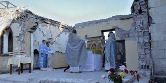 Liturgia tra le macerie in Ucraina