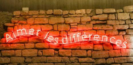 Michelangelo Pistoletto. Love Difference, installazione presso il Louvre, Parigi