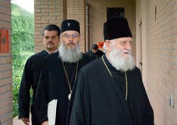 metropolita Kalinik di Vratsa e il metropolita Serafim di Germania