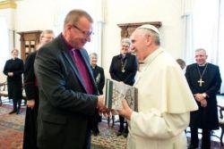Il vescovo Eero Huovinen co-presidente luterano della commissione di dialogo Luterano-cattolica incontra papa Francesco