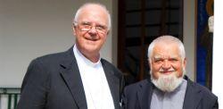 Mons. Mansueto Bianchi assieme a Enzo Bianchi