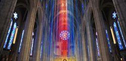 Elaine Buckholtz (luci), Floor van de Velde (suono), Fields of Prayers, installazione luminosa e sonora, Grace Cathedral, San Francisco,Novembre 2016