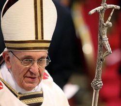 Papa Francesco e il Pastorale opera dello scultore LELLO SCORZELLI, 1965 (dono a Paolo VI a termine del Concilio Vaticano II)
