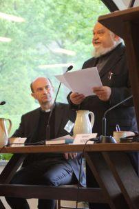 Il Priore Enzo Bianchi durante la prolusione